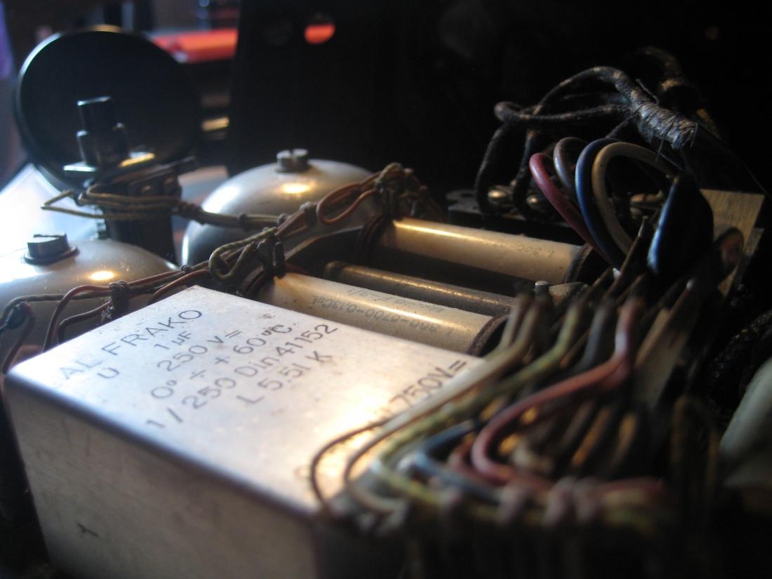 interno del telefono nero